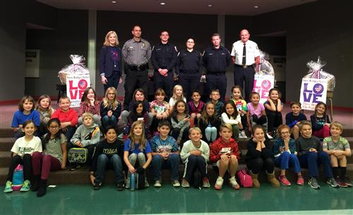 Students Celebrate First Responders